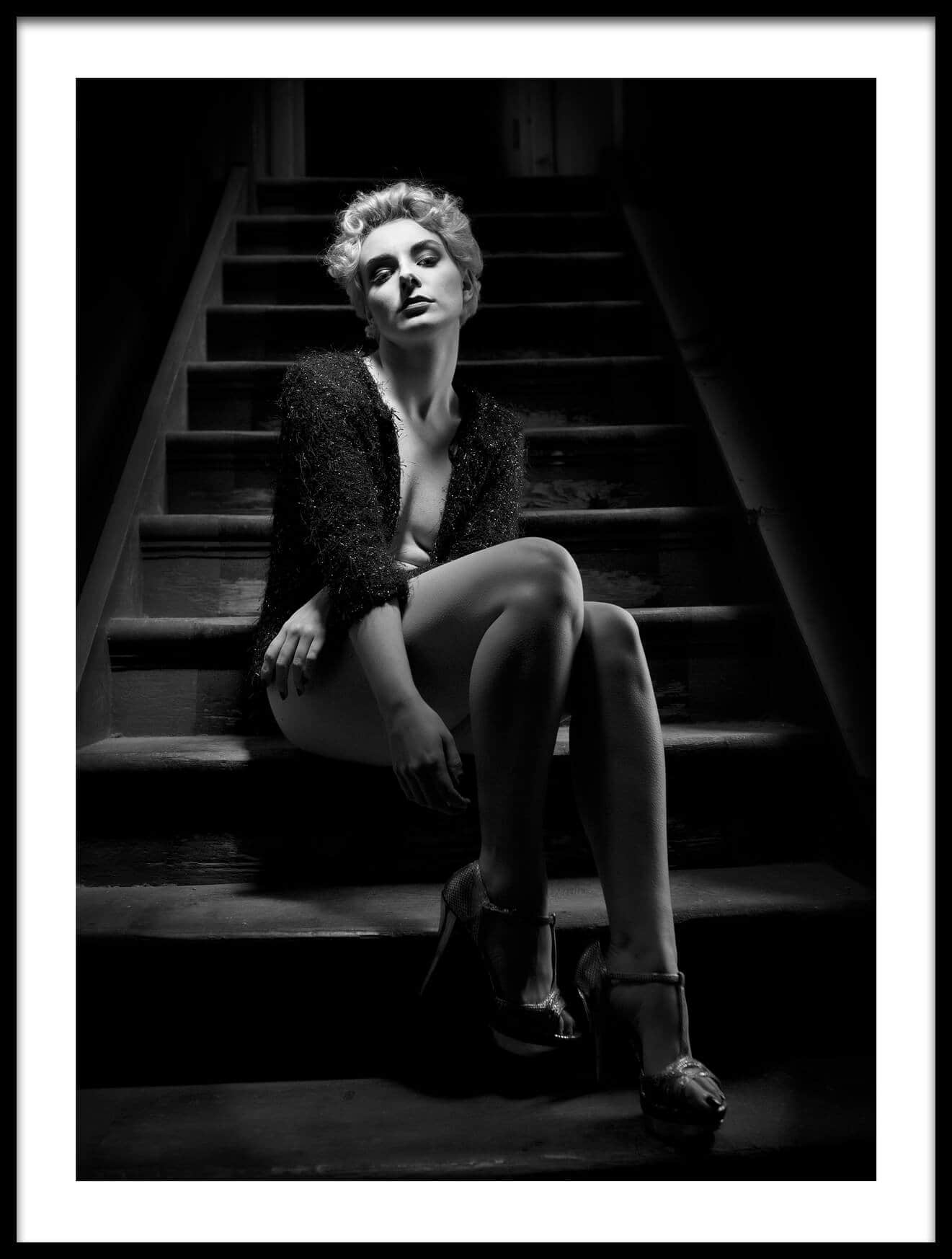 wall-art-poster-waiting-in-the-noir-21015-1700